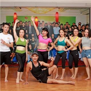 Cùng Mua - Khoa hoc Zumba giam beo 1 thang tai CLB Zumba Huong Duong