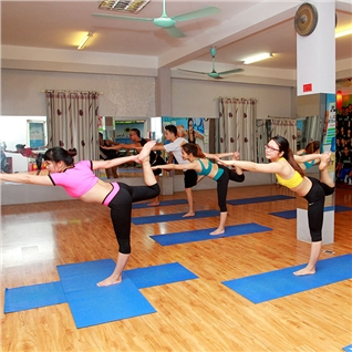 Cùng Mua - Khoa hoc Yoga-Zumba 1 thang tai CLB Yoga-Zumba Huong Duong