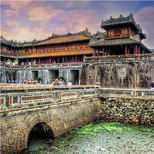 Cùng Mua - Tour hanh trinh di san mien Trung 5N4D - ve may bay chieu ve
