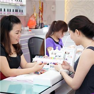 Cùng Mua (off) - Goi cham soc hand / foot + Son O.P.I cao cap tai Ora Salon