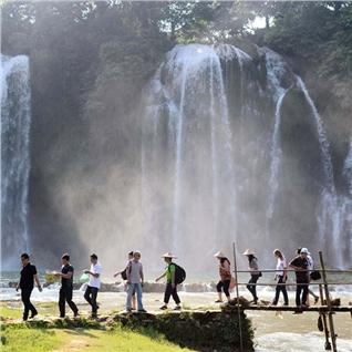Cùng Mua - Tour Ha Noi – Ba Be -Thac Ban Gioc – Dong Nguom Ngao 3N2D