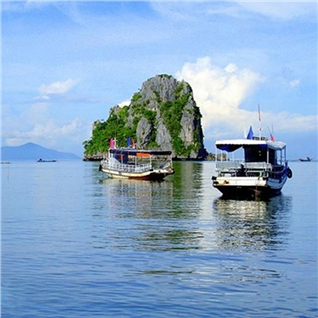 Cùng Mua - Tour kham pha bi mat dao Hai Tac - lang Mac Cuu - chua Phu Du