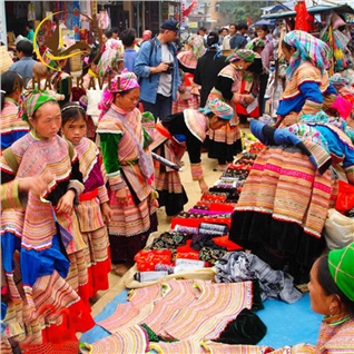 Cùng Mua - Tour Ha Noi- Sapa - Thac Bac- Ham Rong 2N1D, gom ve tham quan