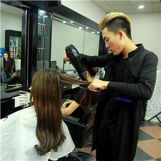 Cùng Mua - Tron goi lam toc dep tai Vien toc Dior (Tang hap va tinh dau)