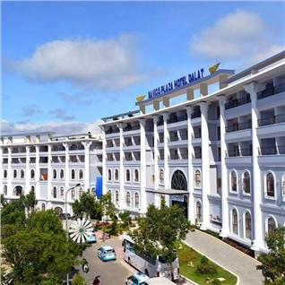 Cùng Mua - Bavico Plaza Hotel Da Lat chuan 4 sao - sat cho - Gia soc