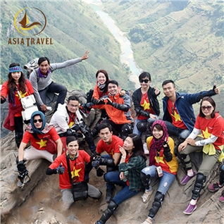 Cùng Mua - Motor tour Ha Giang: Cung duong gan ket dam me - Asiatravel