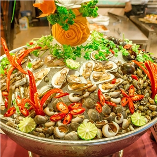 Cùng Mua - Buffet nuong hon 50 mon tai Khach san Huong Sen
