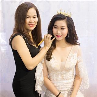 Cùng Mua - Lop hoc trang diem ca nhan 6 buoi - Studio Nu Cuoi Vang