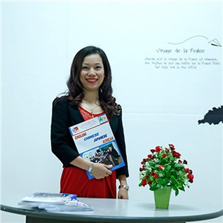 Cùng Mua - 8 buoi giao tiep Tieng Anh Ms Alex- Alex Vuong English Center