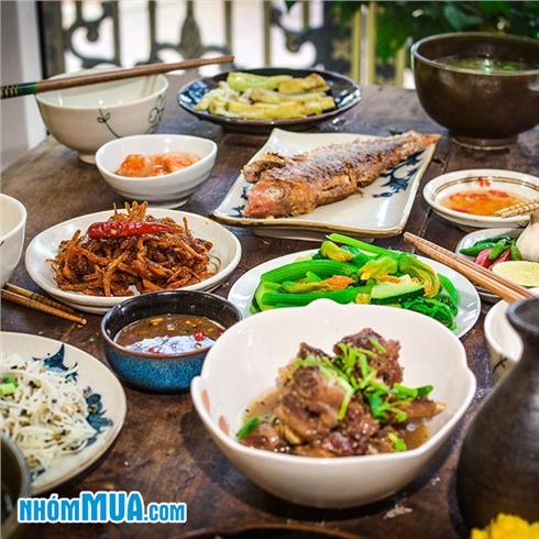 Combo áp dụng ăn sáng / trưa / tối tại Quán Cô Quyên Xứ Quảng