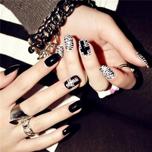 Set 24 Nails móng tay cực xinh kèm keo dán mẫu 366