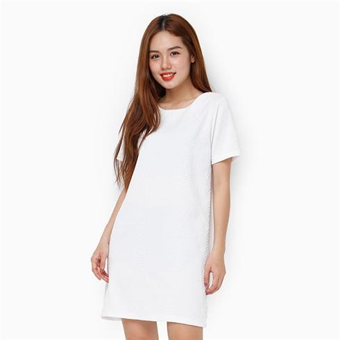 Đầm suông tay ngắn màu trắng