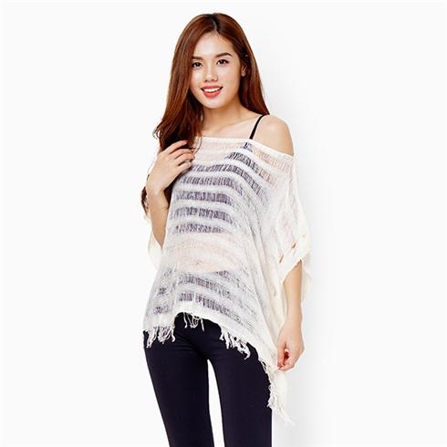 Áo len mỏng dạng khăn tay cánh dơi - Màu kem