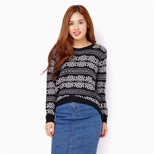 Áo khoác len chui cổ - Màu đen phối trắng