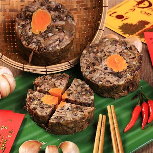 Giò thủ trứng muối đặc sản ngày Tết (500gr) - Bếp Hai Chị Em
