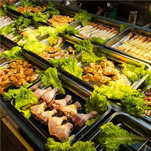 Buffet trong tuần hơn 40 món hải sản - NH Hell Bull Beer Gard