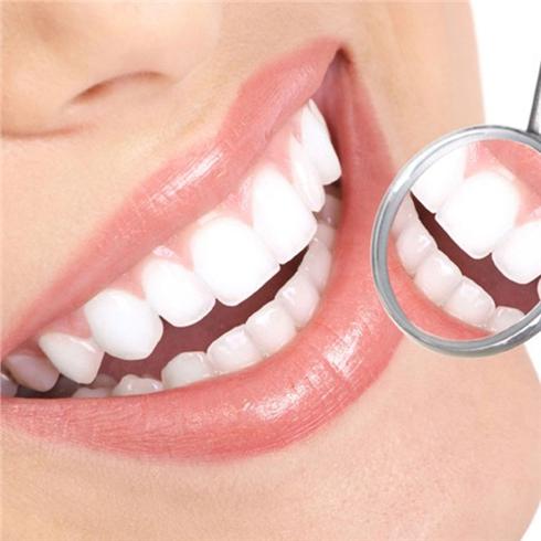 Tẩy trắng răng Công nghệ đèn Plasma cao cấp Nha Khoa Tâm Đức