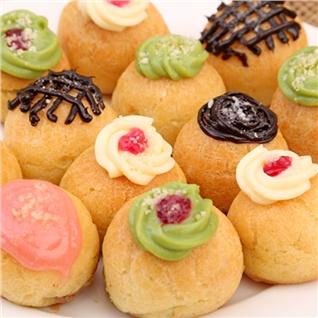 Cùng Mua - Khoa Hoc Lam Banh Choux Cream tai Worldlink (mang banh ve)