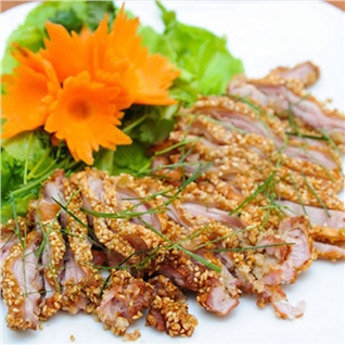 Cùng Mua - Thit tho tuoi uop san kem nuoc cham Kim Phung (0.5 kg)