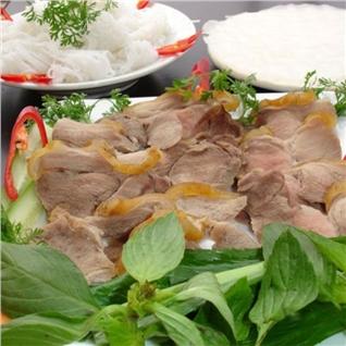 Cùng Mua - Thit heo rung tuoi uop san (1kg) kem nuoc cham hieu Kim Phung