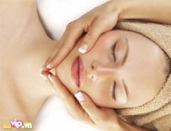 Massage Chăm Sóc Da Mặt Bằng Collagen Tại An An Spa Mang Lại Cho Bạn Gái Làn Da Trắng Sạch - Mịn Màng Với Voucher 45.000VND Cho Giá Trị Sử Dụng 200.000VND Giảm 77% Chỉ Có tại Dealvip.vn