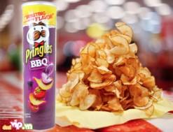 Hộp Bánh Pringles BBQ Bánh Giòn Tan Là Món Quà Ngọt Ngào Dành Tặng Cho Gia Đình Người Thân Giá 78.000VND Giảm 38% So Với Giá Gốc 125.000VND Chỉ Có tại Dealvip.vn