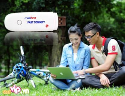 USB 3G Fast Connect Dùng Được 3 Mạng Vinaphone, Mobifone, Viettel – Tốc Độ Kết Nối 7,2Mbps Nhờ Công Nghệ HSDPA 3.5G Giá 345.000VND Giảm 24% So Với Giá Gốc 450.000VND