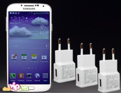 Cáp + Sạc Samsung Galaxy S4 Chính Hãng 100% Bảo Hành 1 Năm Giá Rất Rẻ Chỉ Có 125.000VND Trên Dealvip.vn. Tiết Kiệm Đến 40% Với Giá Gốc 210.000VND