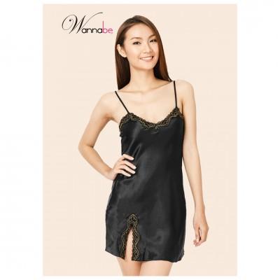 Váy ngủ Wannabe satin xẻ đùi DN335