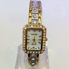 Đồng hồ nữ Cartier họa tiết - mặt đồng hồ cẩn xà cừ cực đẹp, sang trọng - ID1458