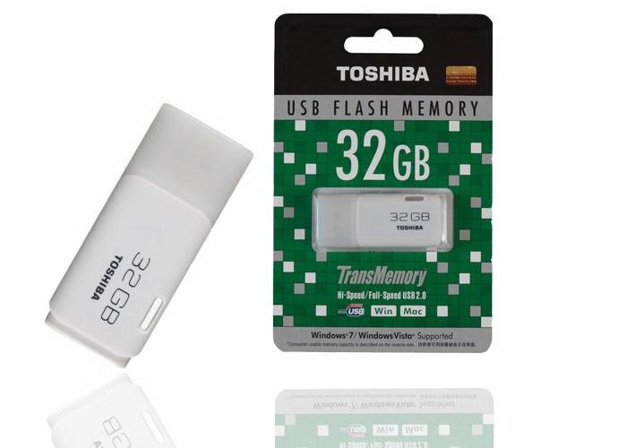 USBTOSHIBA 32 GB Chính hãng bề..