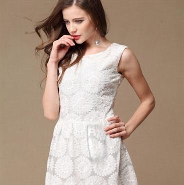 Đầm ren hoa hướng dương-
