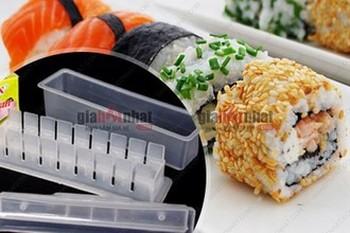 Giá Hot Nhất - MS: 6207 - KHUON LAM SUSHI BANG NHUA TRONG - giup ban tao ra nhung mieng sushi dep mat.