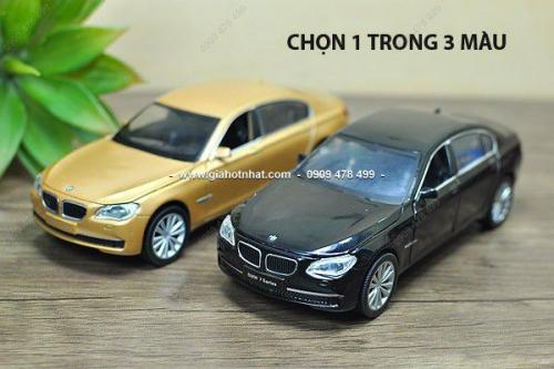 Giá Hot Nhất - MS 9632 - XE MO HINH SAT TI LE 1: 32 BMW 750I - HOTWORKS - Chon 1 trong 2 mau