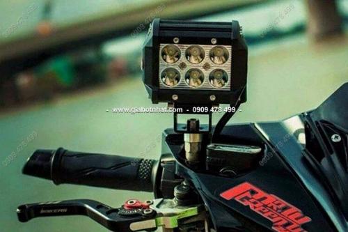 Giá Hot Nhất - MS 6318 - DEN LED TRO SANG 6 BONG LED C6