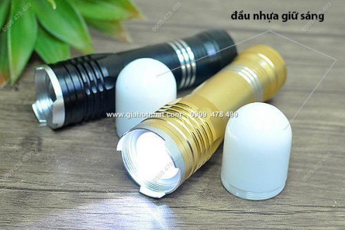 Giá Hot Nhất - MS: 5157 - DEN PIN KIM LOAI NHO GON CHONG NUOC