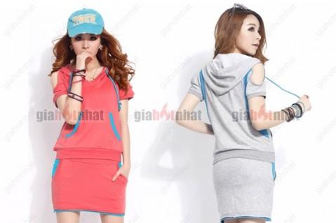 Bộ đồ thun thể thao nữ với thiết kế khoét vai và hai màu sắc cá tính.Thích...