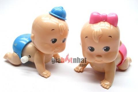 Bộ búp bê trai và gái tập bò lên dây cót rất dễ sử dụng và phát ra những...