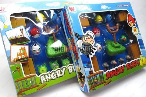Bộ đồ chơi Angry bird – trò chơi nổi tiếng, được nhiều bạn trẻ yêu thích