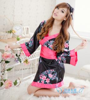 Váy ngủ phi bóng + quần chip phong cách Nhật Bản mang đến cho các Eva vẻ gợi cảm, quyến rũ chỉ với 120.000