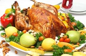 Cùng Đón Lễ Tạ Ơn, Giáng Sinh Và Chào Năm Mới Với Món Gà Tây Nhồi Gan Ngỗng Và Hạt Dẻ Đút Lò Dành Cho 10 Người, Dùng Kèm Xốt Táo Tại Nhà Hàng - Khách Sạn Bông Sen. Voucher 2.530.000 VNĐ, Còn 1.799.000 VNĐ, Giảm 29%.