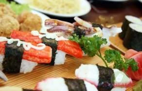 Thưởng Thức Buffet Trưa Lẩu Và Các Món Việt - Nhật Thơm Ngon Trong Không Gian Sang Trọng Của Nhà Hàng Sakurasaku. Voucher 180.000 VNĐ, Còn 119.000 VNĐ, Giảm 34%.