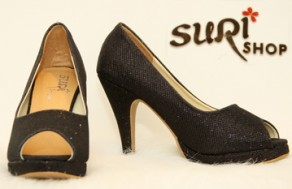 Thể Hiện Phong Cách Sành Điệu Của Bạn Gái Với Các Mẫu Giày Thời Trang Đa Dạng Tại Suri Shop. Voucher 450.000 VNĐ, Còn 195.000 VNĐ, Giảm 57%.