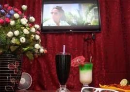 """Thưởng Thức Những Bộ Phim 3D Hấp Dẫn Với """"Rạp Chiếu Phim Thu Nhỏ"""" Tại Café phim 3D Smile - D. Voucher 120.000Đ Cho Set Ăn Uống Và Xem Phim Cho 02 Người, Giảm 51% Chỉ Còn 59.000Đ Tại"""
