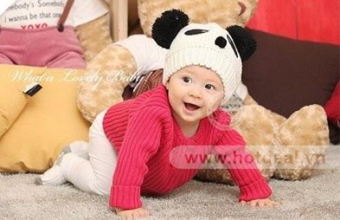 Nón Gấu Panda – Chất Liệu Len Mềm Mại, Thông Thoáng, Kiểu Dáng Ngộ Nghĩnh – Cho Bé Yêu Thêm Xinh Xắn, Dễ Thương. Giá 150.000 VNĐ, Còn 85.000 VNĐ, Giảm 43%.