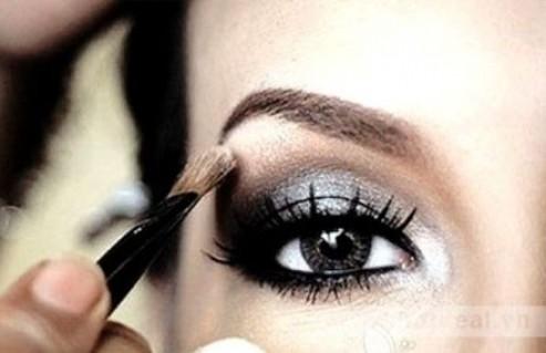 Make Up Thật Ấn Tượng Cho Đôi Mắt Thêm Cuốn Hút Và Nổi Bật Với Phấn Mắt Đơn Kryseis Của Pháp. Combo 02 Sản Phẩm Trị Giá 170.000Đ Chỉ Còn 85.000Đ. Giảm 50% Tại