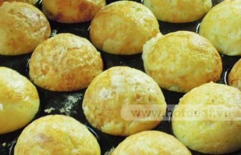 Thưởng Thức Món Bánh Bạch Tuộc Takoyaki – Món Ăn Đường Phố Nổi Tiếng Của Nhật Bản Trong Không Gian Hiện Đại Của Quán Takoboru. Voucher 100.000 VNĐ, Còn 52.000 VNĐ, Giảm 48%.