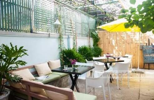 Một Chút Dư Vị Nồng Nàn Cho Những Ngày Cuối Tuần Thêm Lý Thú Cùng Thức Uống, Kem, Và Bánh Ngọt Hấp Dẫn Tại IL Pino Café & Lounge. Voucher 70.000 VNĐ, Còn 35.000 VNĐ, Giảm 50%.