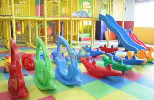 Mang Đến Cho Bé 2 Giờ Vui Chơi Thỏa Thích Cùng Những Trò Chơi Vui Nhộn Tại Khu Vui Chơi The Playground Lầu 4 Parkson Flemington. Voucher 90.000 VNĐ, Còn 40.000 VNĐ, Giảm 56%.