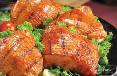 Thật Tuyệt Vời Khi Cùng Gia Đình Và Bạn Bè Thưởng Thức Những Món Ăn Tươi Ngon Hấp Dẫn Tại Nhà Hàng BBQ Chicken. Voucher 100.000Đ Còn 65.000Đ. Giảm 35% Tại
